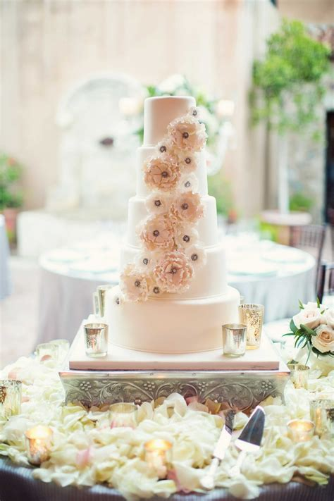 Cakes & Desserts Photos   Sugar Flower Five Layer Cake