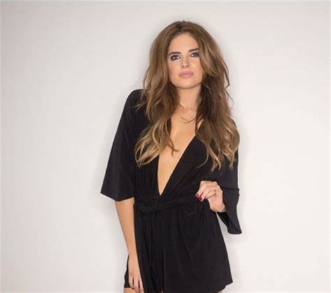 fashionn enthusiast sweater shop here fashion binky felstead launches her new in the style clothing