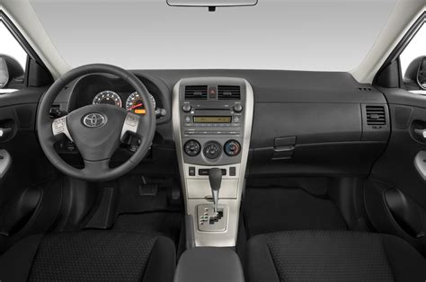toyota corolla 2010 dashboard 2010 toyota corolla reviews and rating motor trend