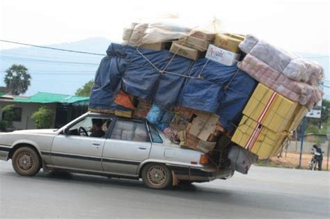 Transport Mattress On Top Of Car by Hauling For The Holidays The Right Cartop Carrier