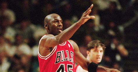 michael jordan biography in spanish michael jordan s career in photos photos michael