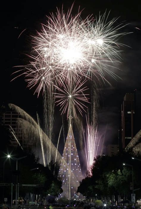 tallest artificial christmas tree mexico city sets world