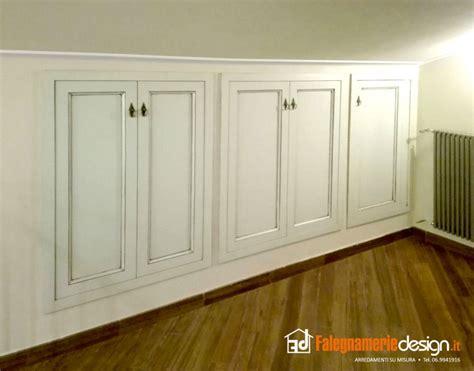 armadi bassi per mansarde armadi per mansarde su misura tutto in vero legno