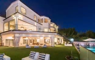 Small Modern House Designs And Floor Plans luxurious mansion with striking entertaining spaces in
