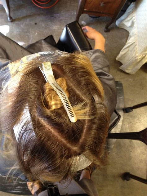 sectioning hair for highlights how to hair girl my favorite foil trick ever