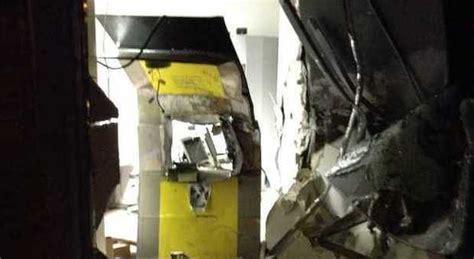 ufficio postale san lorenzo roma roma sfondano il bancomat di un ufficio postale con un