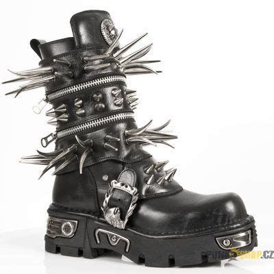 Sepatu Boots Spiky new rock black reactor boots with sever spikes
