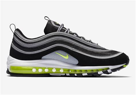 nike air max  og black volt   retro shoes