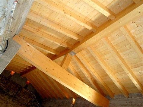 ladari in legno idee per costruire lade lade per travi legno giunto a 4
