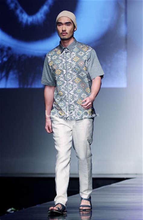 Kemeja Ronald koleksi baju koko karya 5 desainer tanah air mode