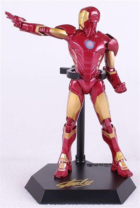 Cincin Ring Ironman Figure Box sports memorabilia auction pristine auction