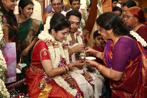 vijay tv anchor divyadarshini marriage picture 726445 tv anchor dd srikanth marriage photos