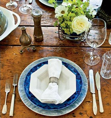 cottage flavor  inviting thanksgiving table