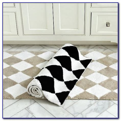 Black And White Checkered Kitchen Rug Black And White Checkered Throw Rug Rugs Home Design Ideas W5rg84x9j3
