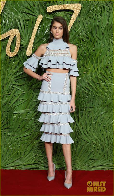 kaia gerber fashion awards kaia gerber shows her style at fashion awards 2017 photo