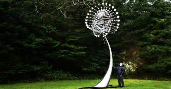 Wind Art Anthony Howe S Kinetic Wind Sculptures Are Hypnotic In