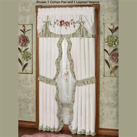 Garden Quilt Set by Cordial Garden 4 Pc Floral Quilt Set