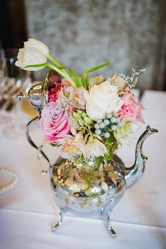 Upcycling: 12 Vintage Wedding Décor Ideas