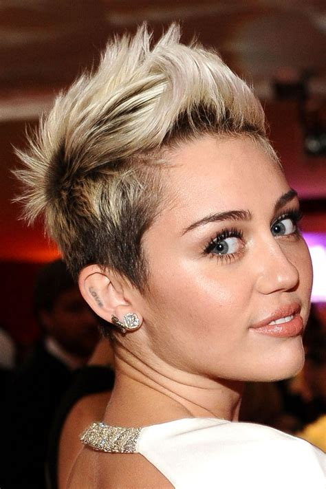 pixie cut on average person celeb beauty trends you ll want to get in on she s