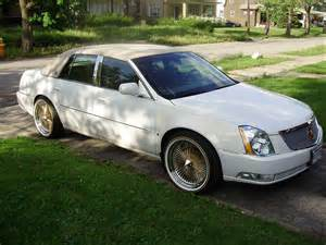 Cadillac On 22 Cadillac Dts On 22s And Vogues Singing