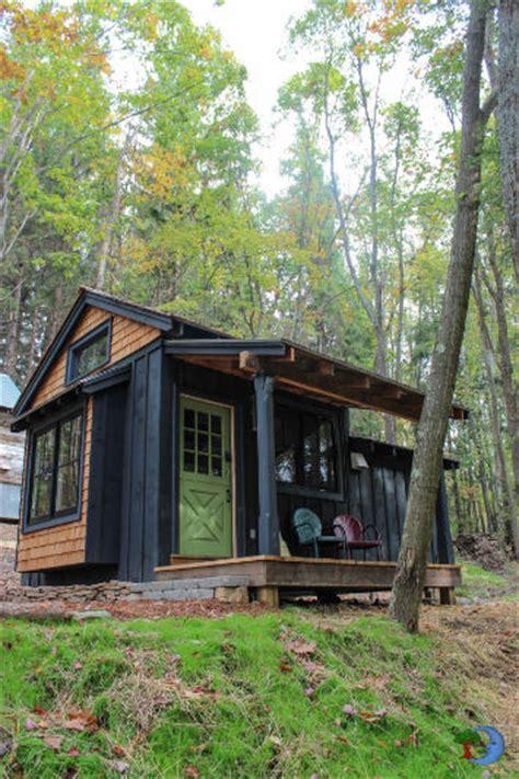 small vacation cabins moonshadow tiny vacation cabin at blue moon rising