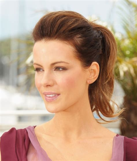 hairstyles for shoulder length hair pony tails 101 chic and stylish shoulder length hairstyles