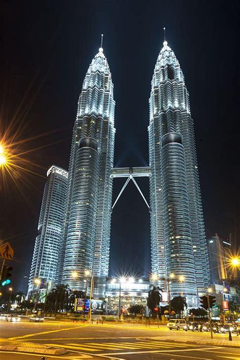 ten good reasons  visit malaysia malaysia petronas
