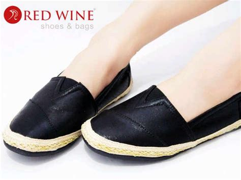 Shh186 Black Sepatu Pesta Elegan 9cm kode y805 6 warna black silver size 36 41 harga 315 000 pemesanan via sms 085959593133