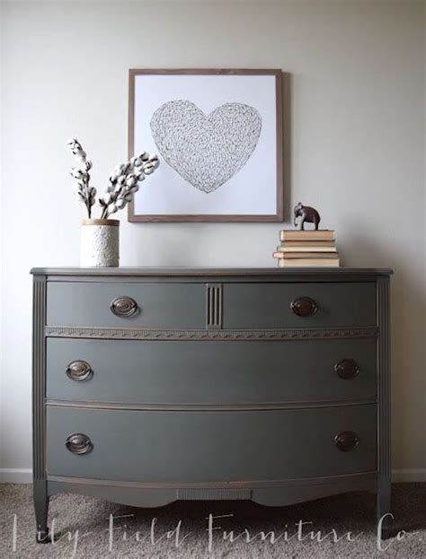 Painting Dresser by 17 Best Ideas About Painted Dressers On Chalk