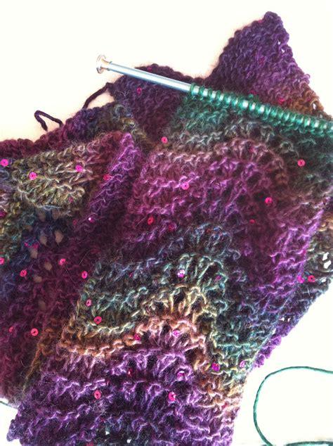 feather yarn knitting patterns crafting 365 feather fan scarf sowelu studio