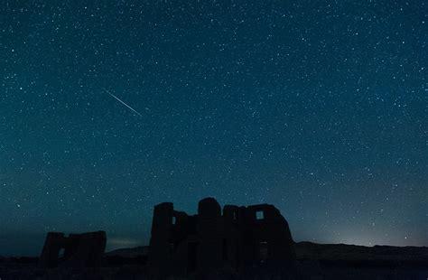 stunning photos capture annual perseid meteor shower