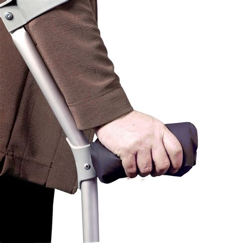 how to make crutches more comfortable on hands what is the most comfortable crutch crutches tips and