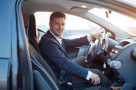 donne in minigonna al volante prywatny użytek samochodu osobowego jak określić koszty