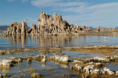 muno lade photos california s mono lake lake scientist