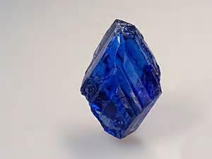rough tanzanite gemstones, raw material tanzanite