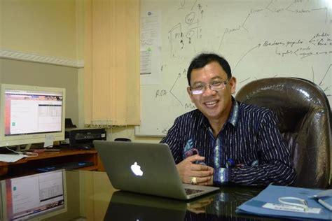tesis akuntansi unair pakar ilmu akuntansi berkembang ke arah keperilakuan