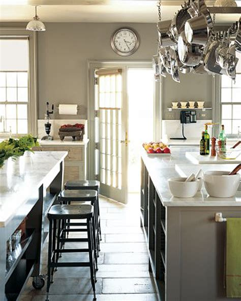 martha stewart kitchen island tour martha stewart s home cantitoe corners in bedford new