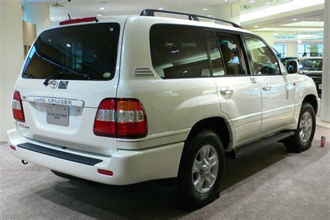 2002 Toyota Land Cruiser file 2002 toyota land cruiser 100 02 jpg wikimedia commons