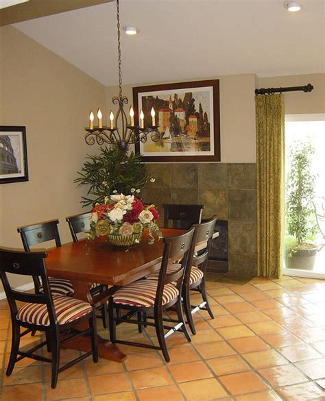 Warm Dining Room by Warm And Inviting Dining Room Traditional Dining Room
