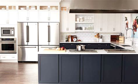 white and black kitchens