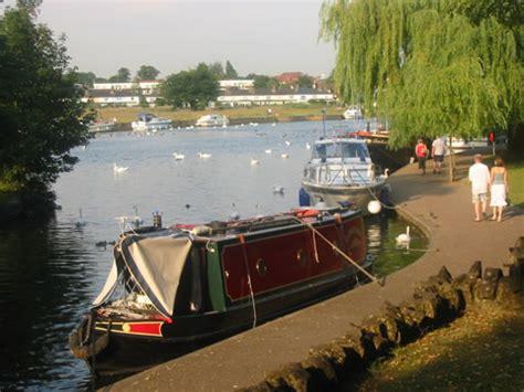 Thames River Boat Trips Marlow | windsor thames river front alexander gardens