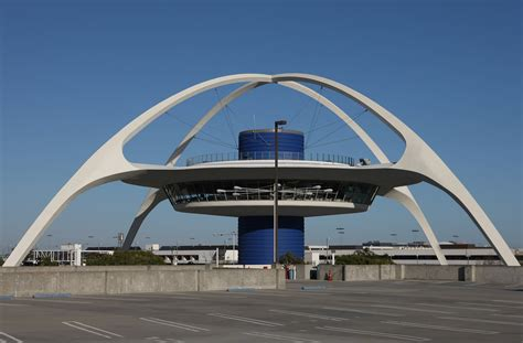 the architects behind 6 of america s most famous buildings america s roadside architecture of the 1950s