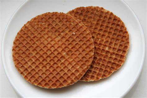 caramel waffle cookies recipe daelmans stroopwafel stroopwafels at