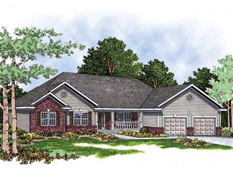 brick ranch house plans brick and siding home hwbdo04523 ranch from builderhouseplans