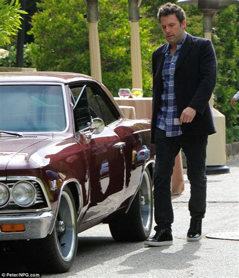 Ben Affleck To Sell Car From by Ben Affleck S Classic Car Conks Out As He Attempts To Make