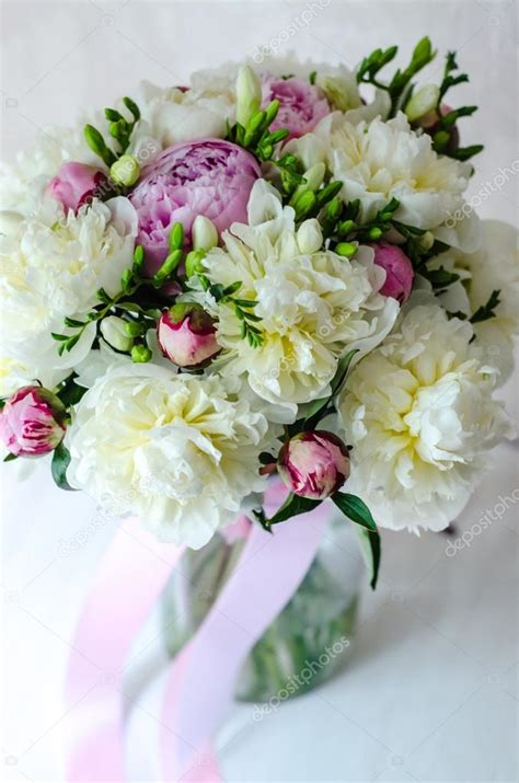 peonia in vaso mazzo della sposa di nozze fiori rosa peonia in vaso su