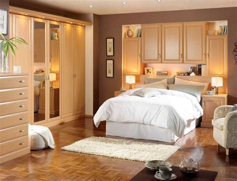 How To Arrange Bedroom Furniture by How To Arrange The Furniture In A Small Bedroom