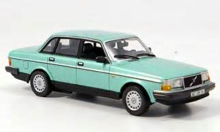 Volvo 240 Green Volvo 240 Gl Green Minichs Diecast Model Car 1 43 Buy