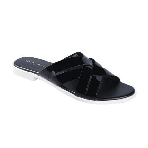 Supplier Sandal Kepang Hitam 8gt2 jual yongki komaladi swoo 40001 sandal wanita hitam