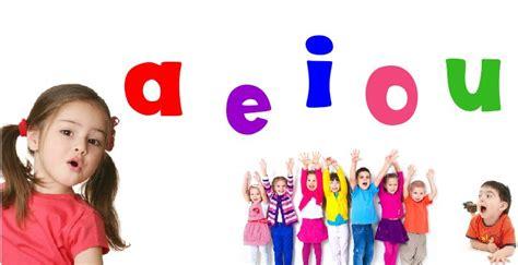 imagenes niños jugando preescolar como ense 241 ar a ni 241 os de preescolar las vocales 161 divertido